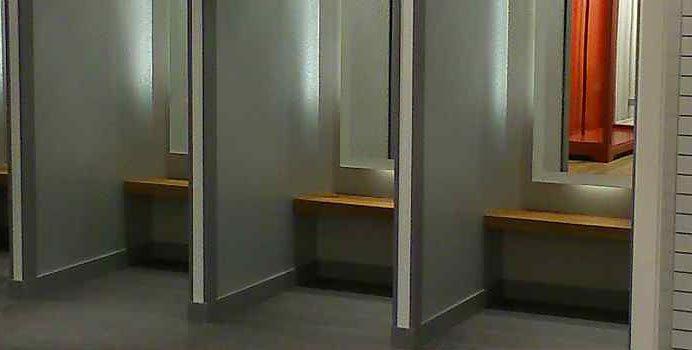 【都市傳說】異國旅遊請小心:試衣間的暗門