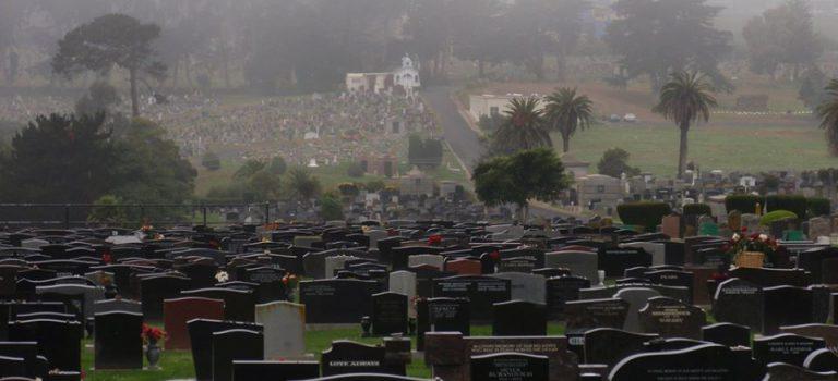 【怪奇知識】真的是鬼城?鬼比人多的小鎮——加州柯爾瑪