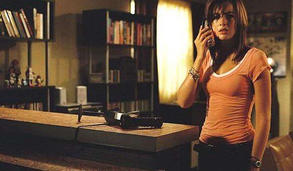 【都市傳說】保母與樓上的男人:恐怖騷擾電話不斷打來,兇手就在你身邊?